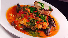 restaurant plate with seafood and mussels