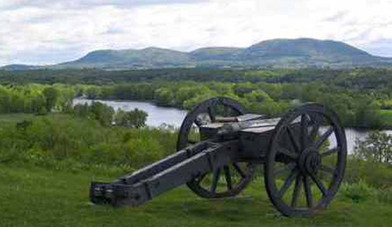 cannon at saratoga battlefield