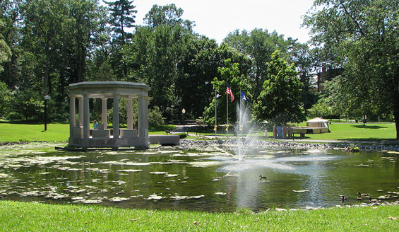fountain in congress park