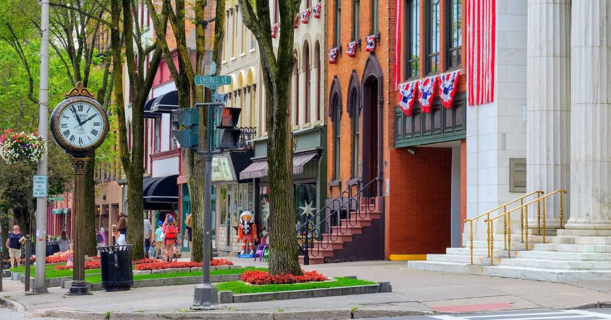 downtown Saratoga street
