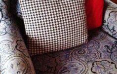 upholster20chair20closeup2028272x38029.jpg