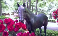 Seattle Slew's Grave Large Statue Roses.jpg