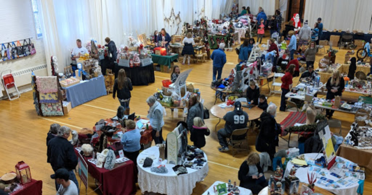 view of large indoor craft fair