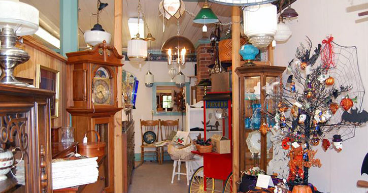 lamps and antiques in a room