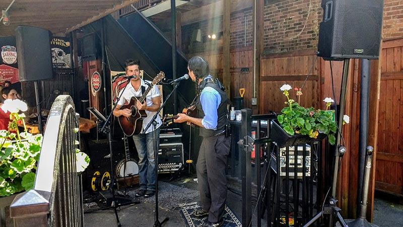 guitar band on Beekman street