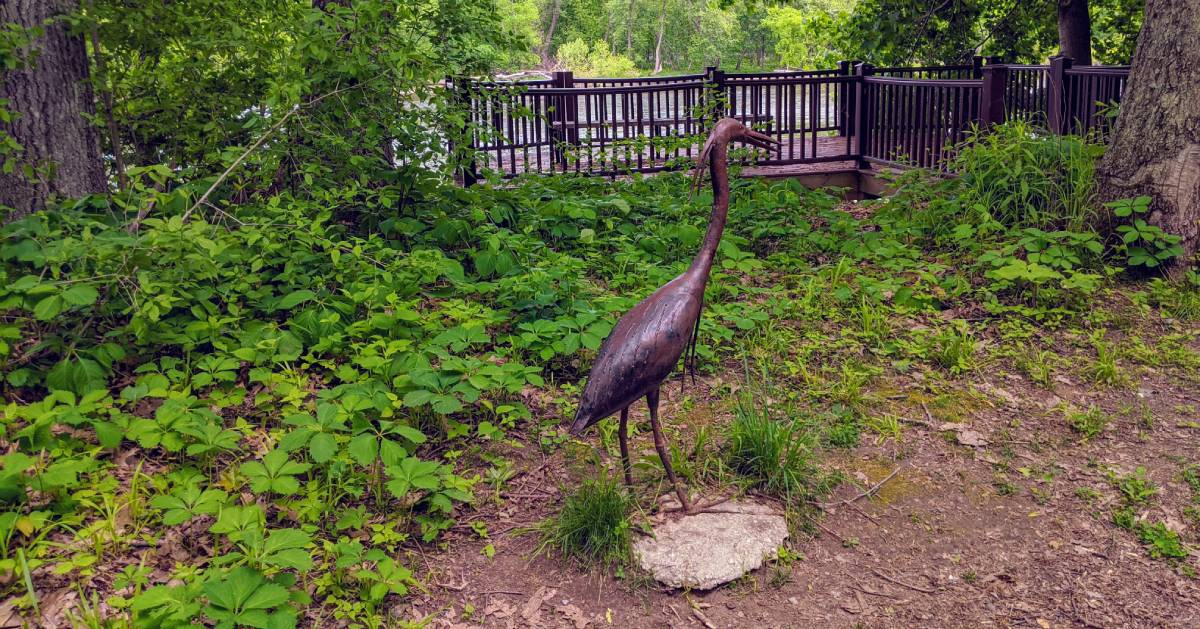bird statue in park
