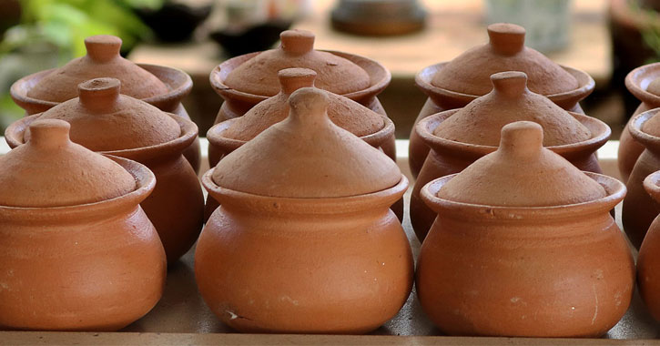 clay pots in a row