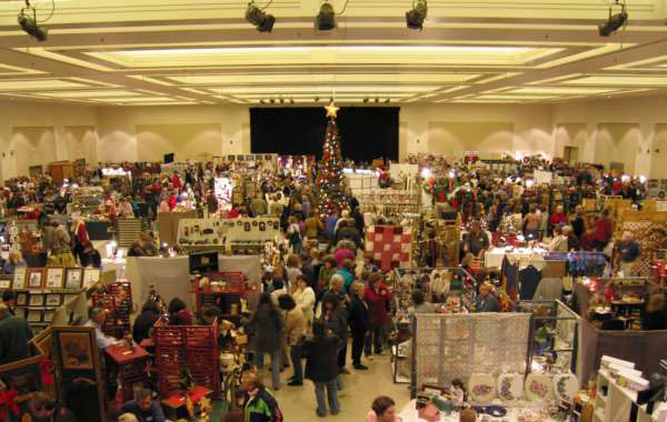 crowds at the holiday craft fair
