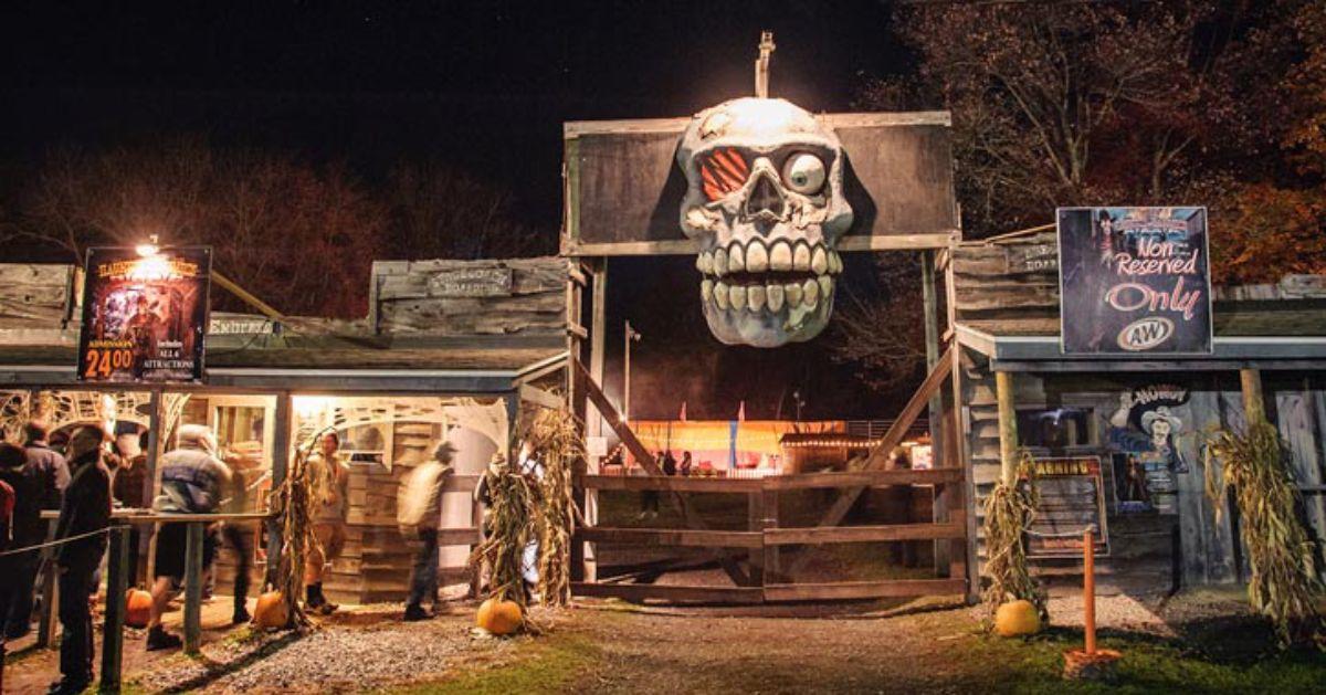 haunted hayride entrance