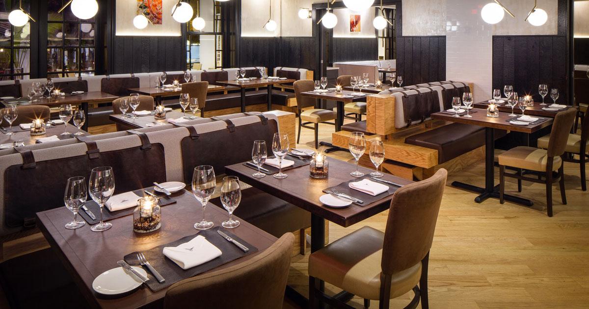 elegant dining rooom