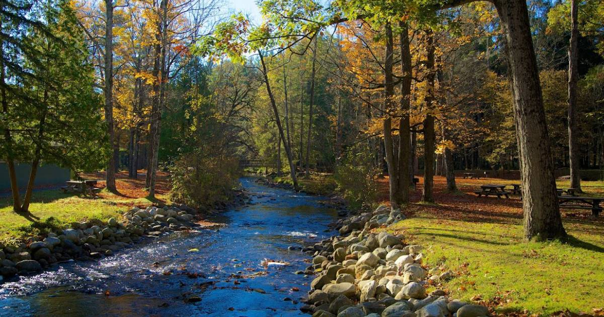 Why You Should Visit Saratoga Springs, NY in the Fall