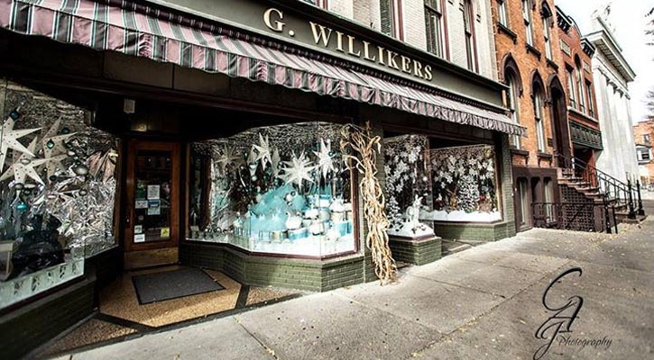 the front of the G. Willikers toy store in winter
