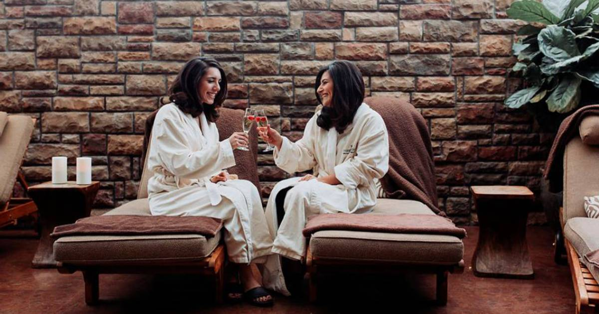 two women at a spa