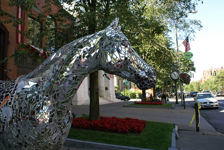 horse sculpture on broadway in saratoga