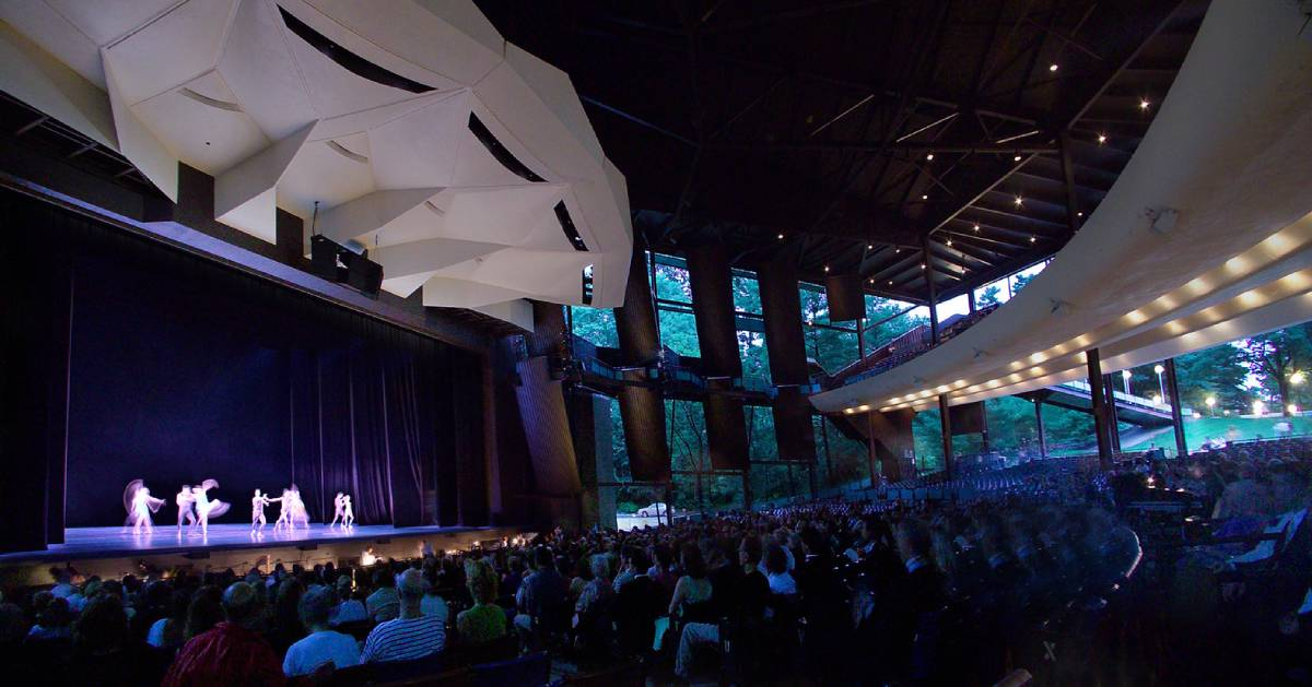 inside spac during ballet