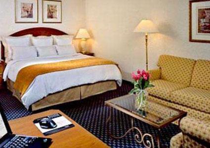 albany marriott room