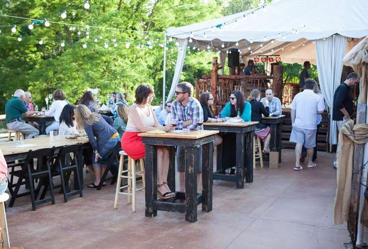 patrons on the patio at saratoga winery