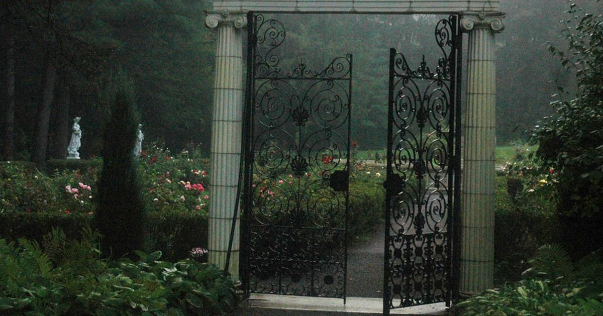 creepy gates at the entrance of the gardens
