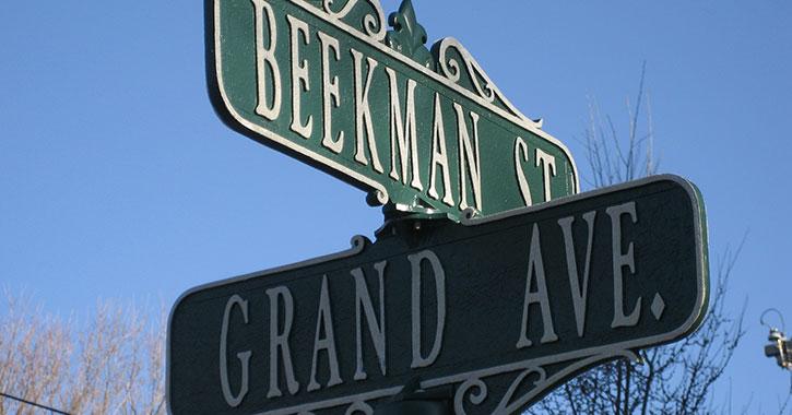 beekman street sign