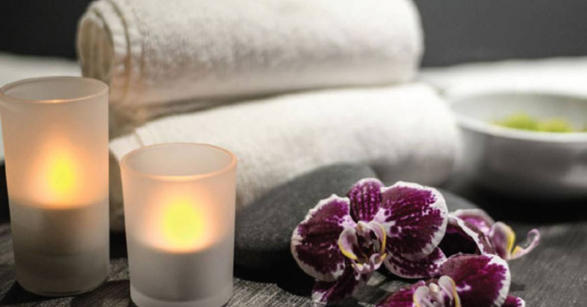 candles and white towels
