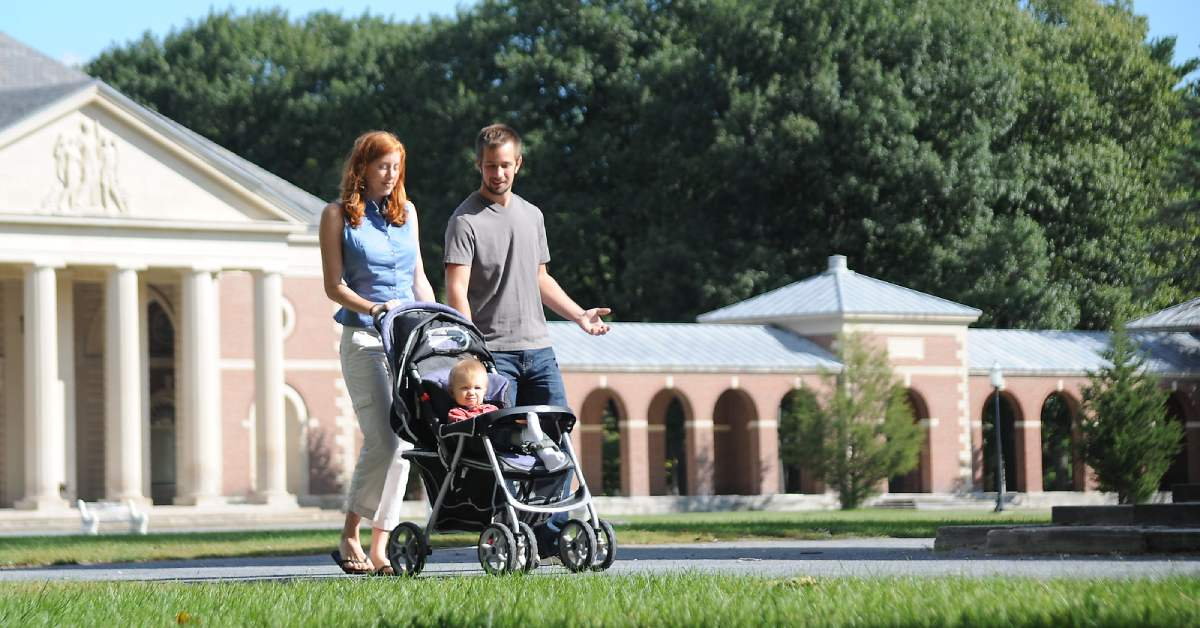 parents pushing a stroller in saratoga spa state park