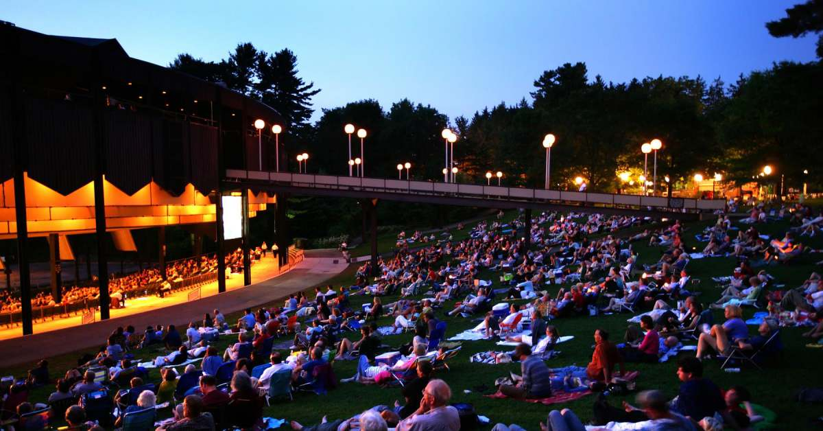 crowd on lawn at spac
