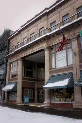 a building in Saratoga