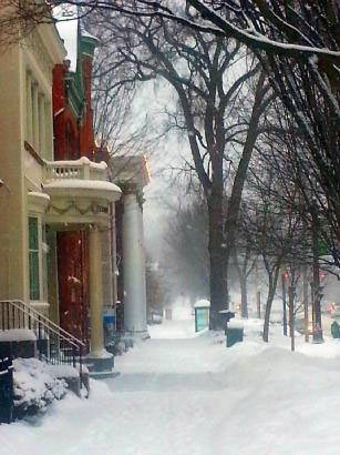 winter street in saratoga