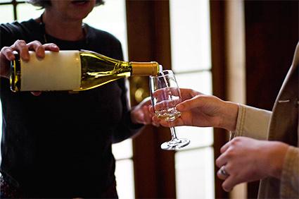 wine-food-auction.jpg