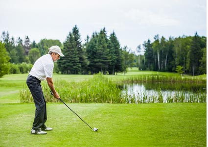 golfer-at-course.jpg