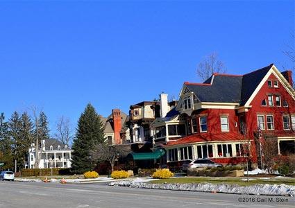 Saratoga-houses.jpg