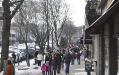 crowded sidewalk in saratoga