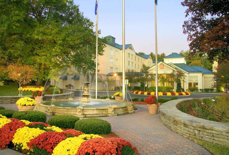 Equestricon hotel specials summer lodging deals in for Saratoga springs pet friendly hotels