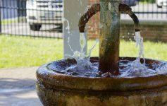mineral spring splash