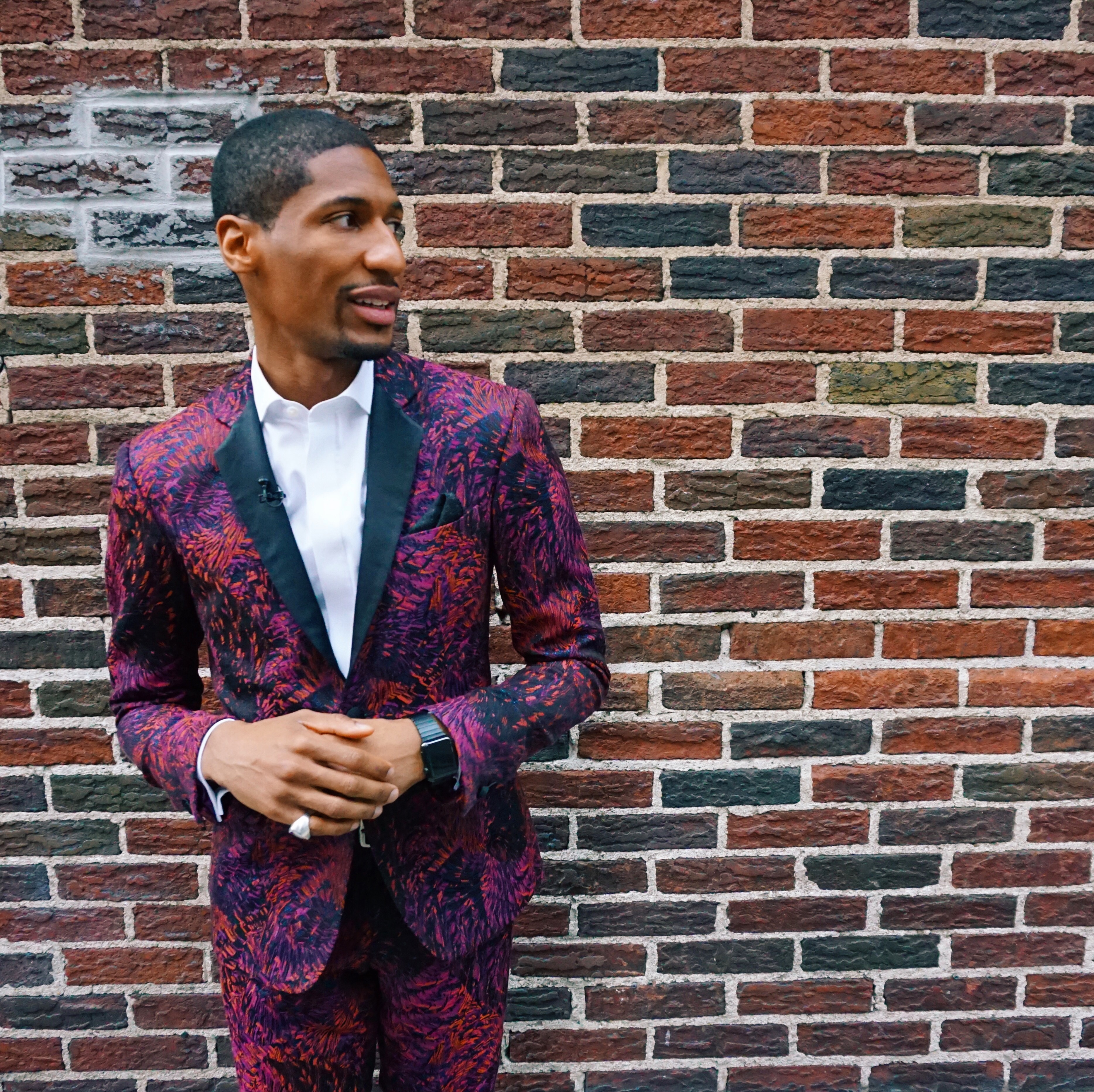 Jon Batiste Of Stephen Colbert S Late Show Joins Lineup Of Performers For The Stewart S