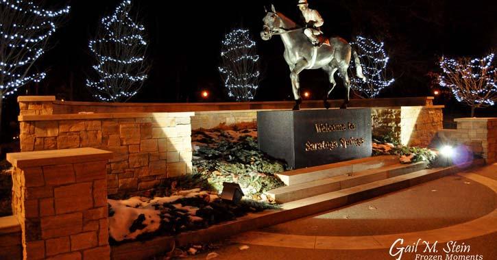 saratoga horse statue during holidays