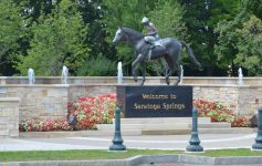 saratoga welcome horse statue