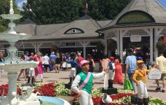 people at entrance to saratoga race course