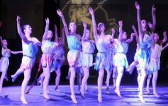 ballet dancers at first night