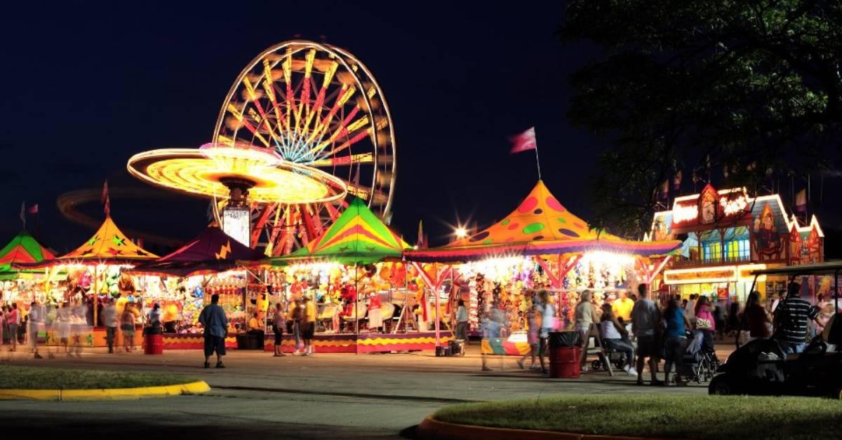 night time at a fair